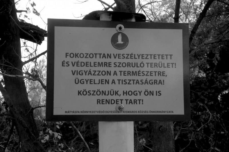 Ellopták a figyelmeztető táblákat a Kisdunánál