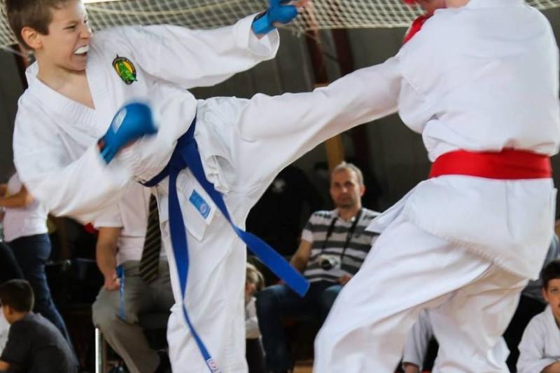 Csütörtökön este indul Prétor Máté a karate Eb-re! – Frissítve!