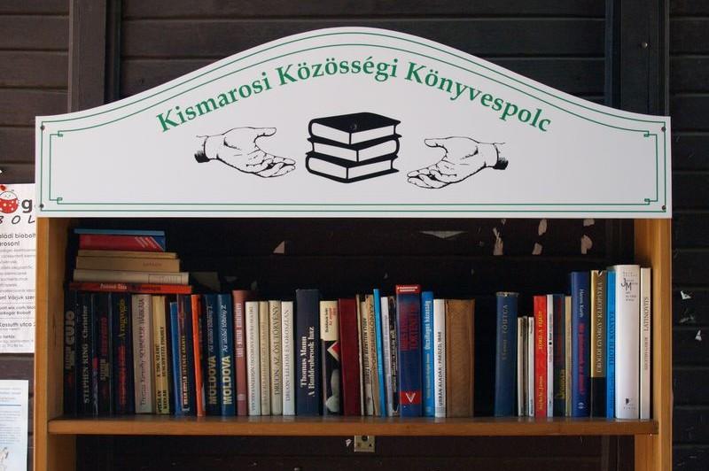 Közösségi könyvespolc Kismaroson