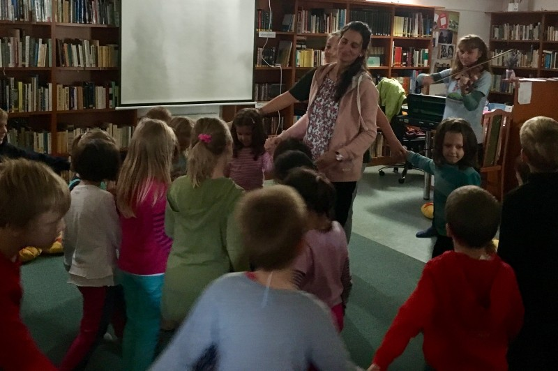 Barátcinegék jártak ismét a könyvtárban