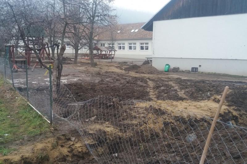 Elindult az iskolaudvar felújítása