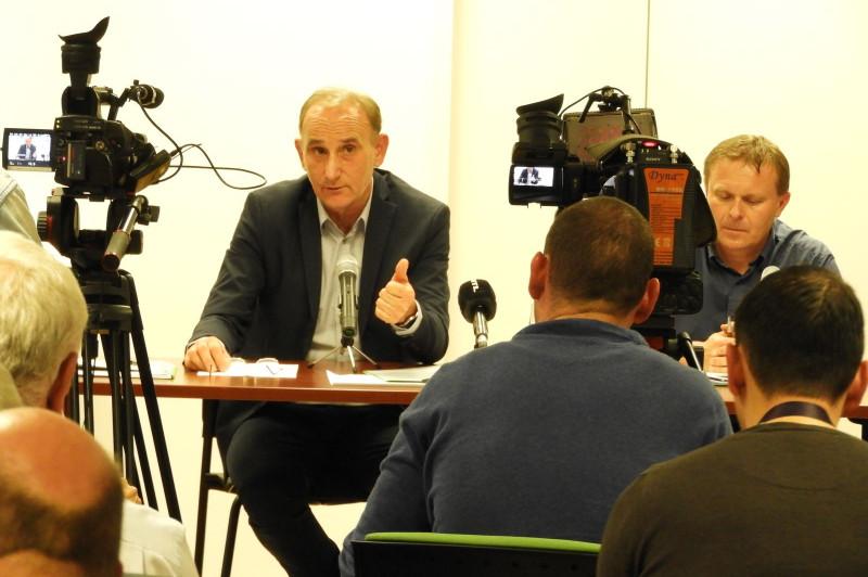 Lemondott a Zöld Híd B.I.G.G. Nonprofit Kft-t tulajdonló önkormányzati társulás vezetéséről Gémesi György