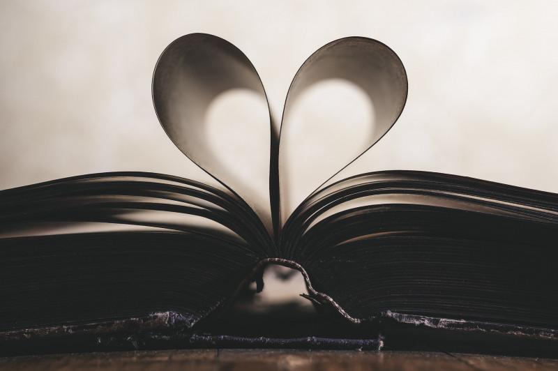 Könyvbemutatók kedvenc bibliotékánkban